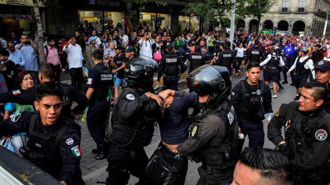 Rechazamos los actos represivos y la detención de personas manifestantes contra el incremento a la tarifa del transporte público en Guadalajara
